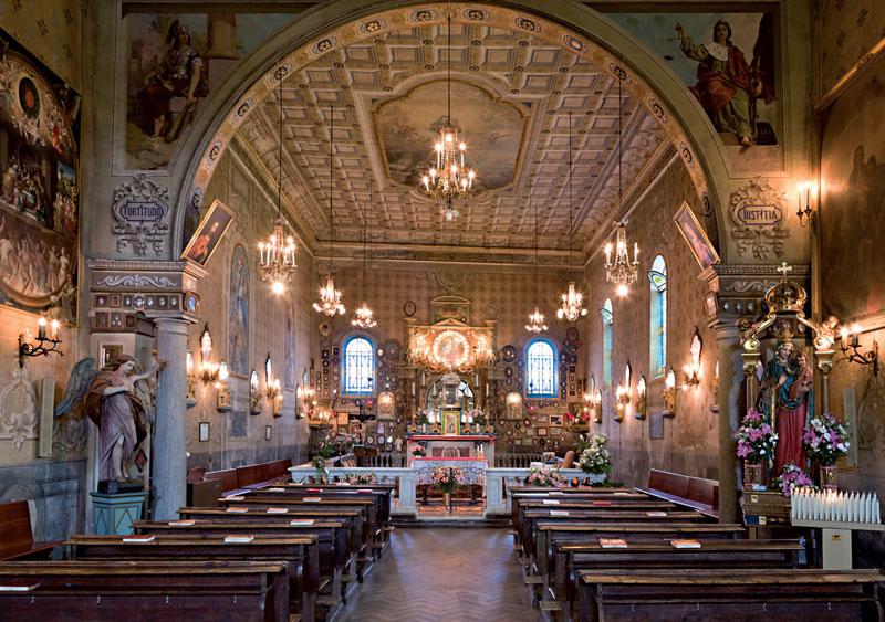 interno chiesa 2